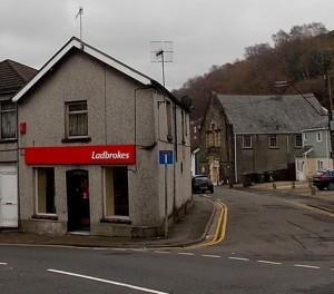 ladbrokes-street-shop