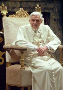 pope-benedictus240
